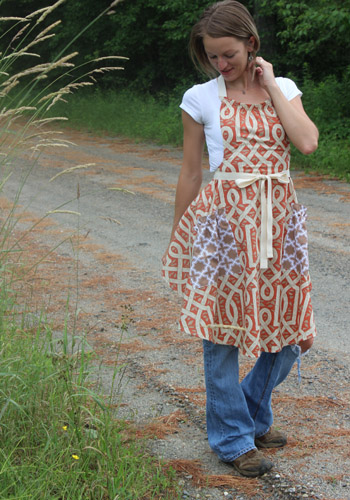 Vermont Apron Company Jenna Kitchen Apron in red vines (1)