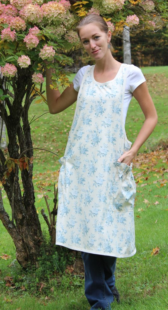 blue-floral-toile-no-tie-apron-by-the-vermont-apron-company-4