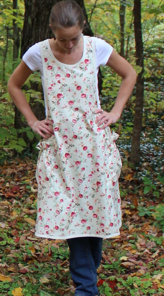 regular-size-no-tie-apron-in-beige-with-little-roses-by-the-vermont-apron-company-5