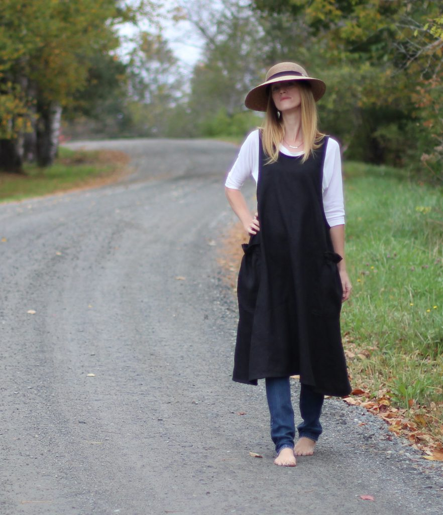 Black Linen Aprons for afternoon strolls.