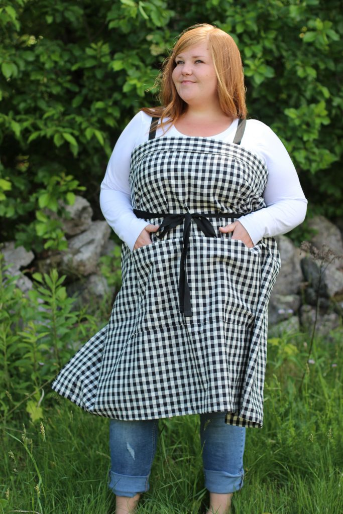 Wrap Apron in Plus Size - Front View