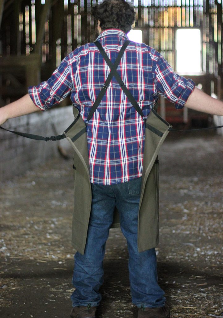 Mens Barn Apron with adjustable back straps for no ties.