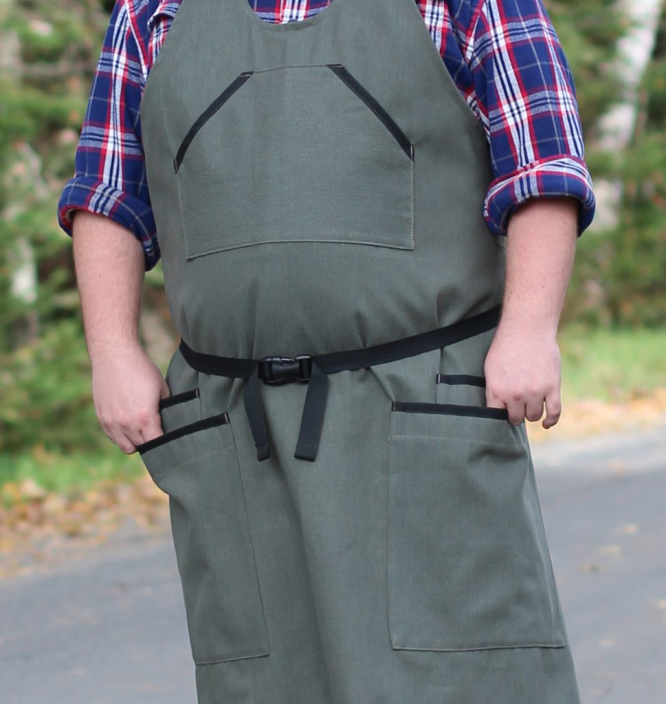 Details on this apron make it a great everyday work apron